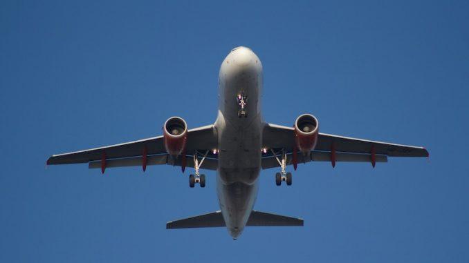 Samochodem, pociągiem, samolotem - czym jechać na wakacje?