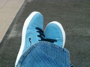 Zamszowe buty - jak o nie dbać?
