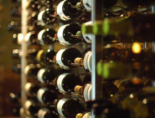 Zalety kupowania wina przez internet
