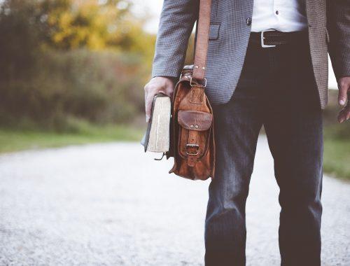 modne męskie spodnie na każdą okazję