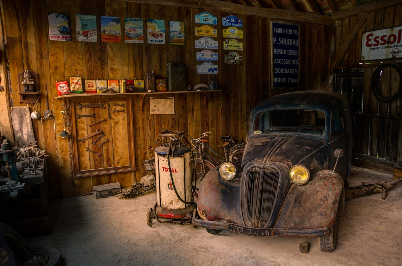W co warto wyposażyć garaż? Wiosenne porządki czas zacząć!