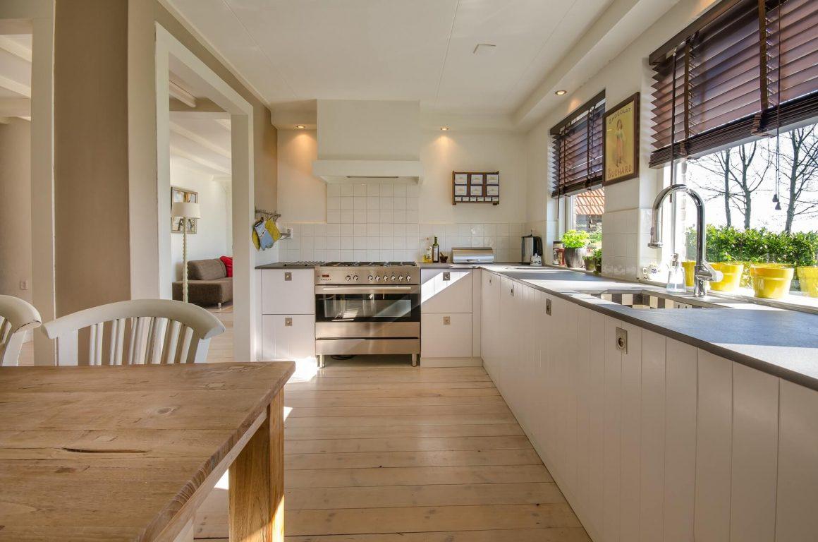 Jak umeblować salon z kuchnią?