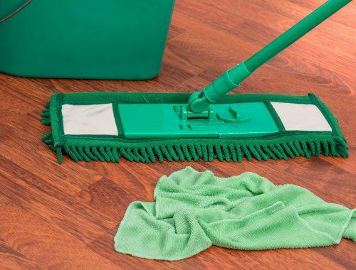 Sprzątanie przed walentynkami – prezent dla ukochanej
