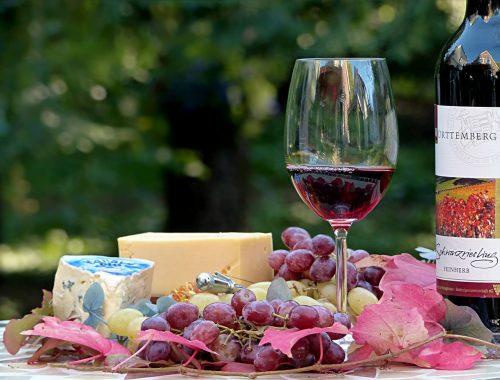Przekąski do wina - jakie wybrać?