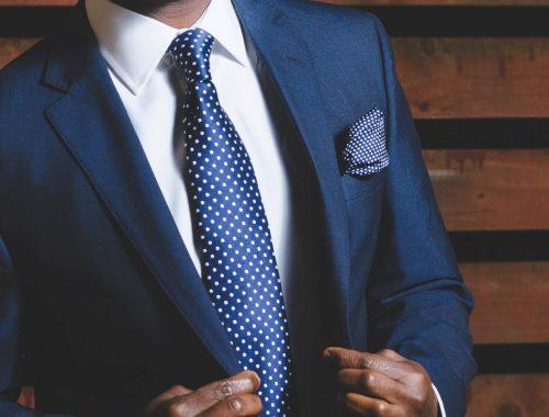 Najlepsze dodatki do garnituru - o czym warto pamiętać, by wyglądać z klasą i modnie