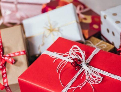Najlepsze prezenty noworoczne dla kobiet! Zaskocz ją wyjątkowym upominkiem!