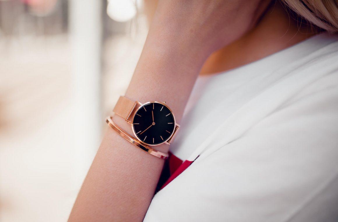 Jak obchodzić się z zegarkiem, by długo i dobrze służył?
