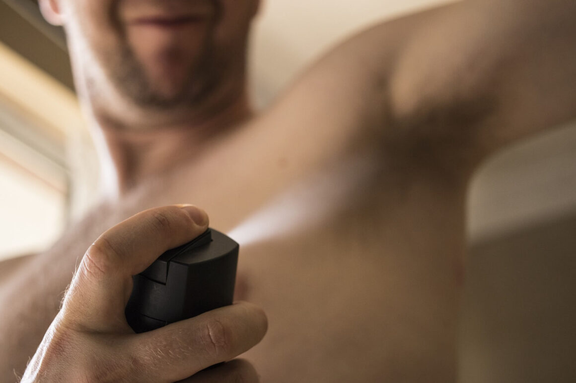 Męski antyperspirant nie pozostawiający śladów