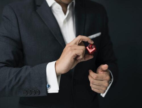 Dlaczego warto dbać o męskie dłonie?