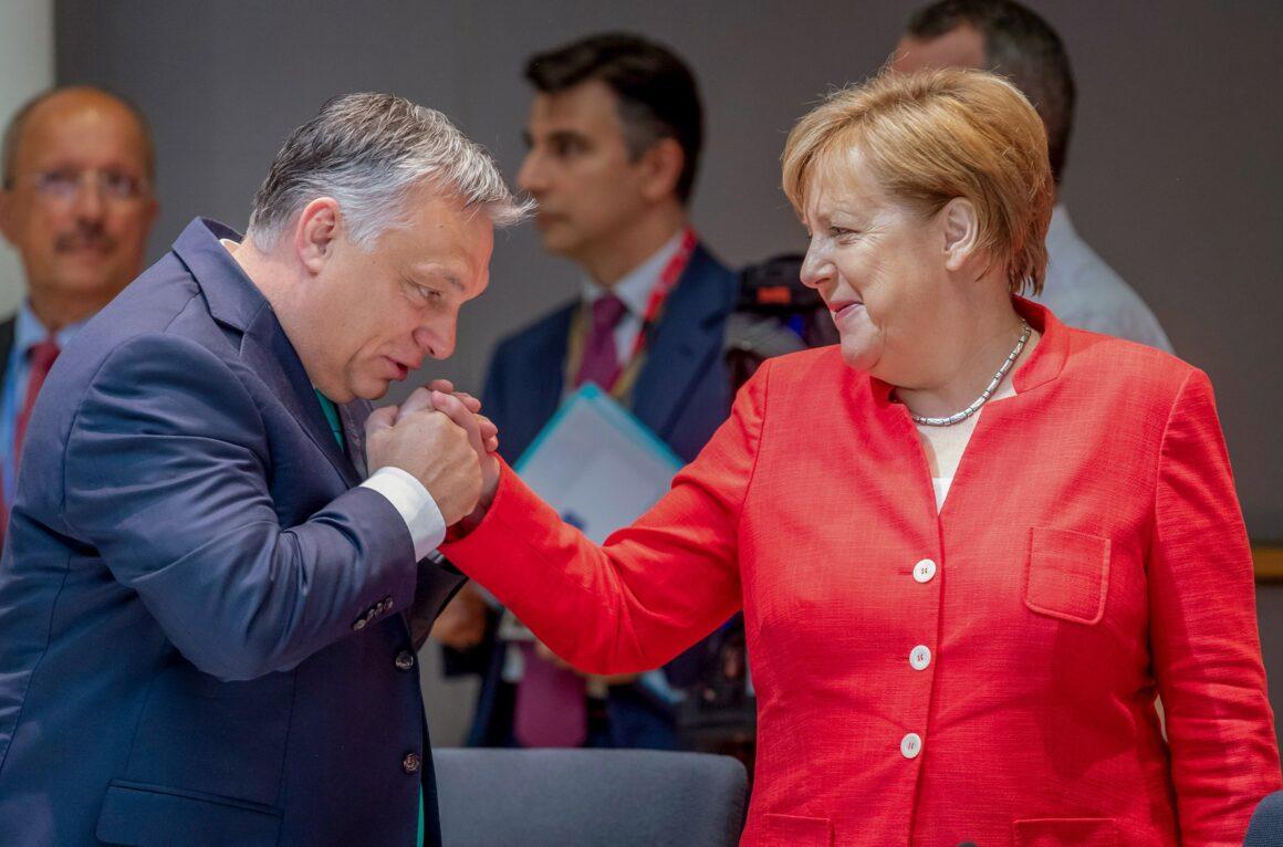 Jak Viktor Orban okiwałŁ Unię Europejską - film dokumentalny w ARTE po polsku