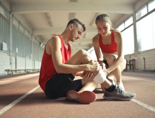 Stabilizator na kolano - na co zwrócić uwagę przy zakupie?